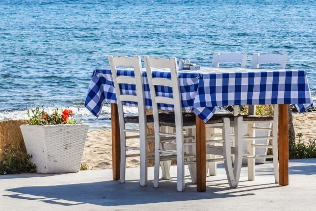 A Guide to the Traditional Eateries of Greece