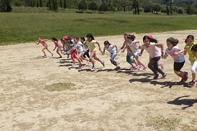 Kids_races_Olympia_stadium