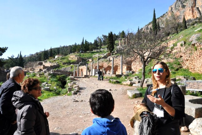 Guided_tours_from_Athens_to_Delphi
