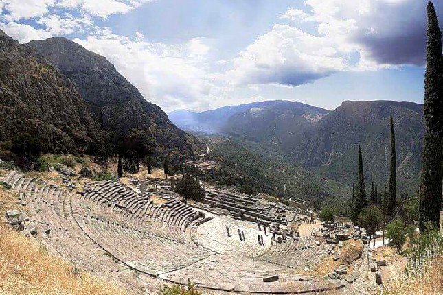 Delphi tours Ancient Theater