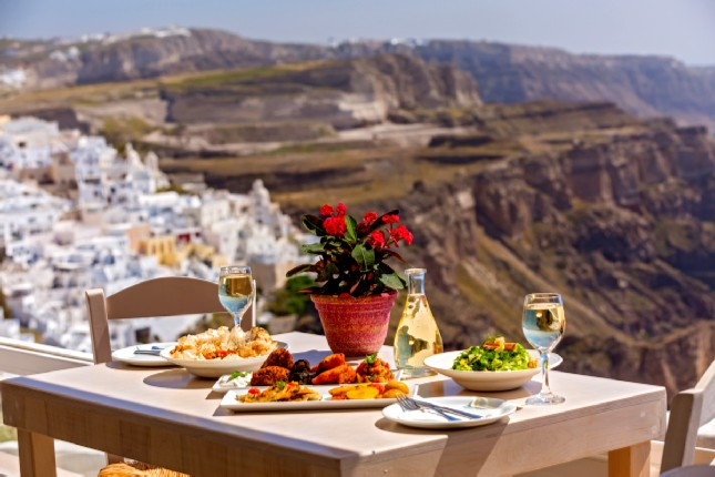Eat and drink like a local in Santorini