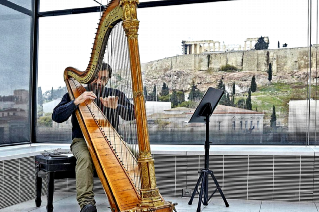 Harp music at the Acropolis museum