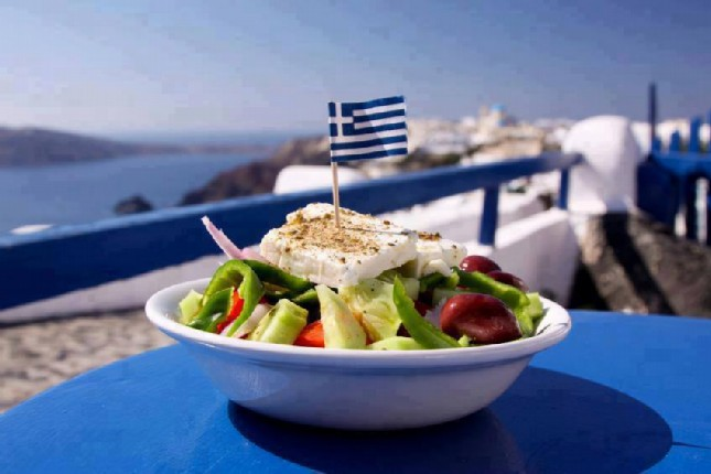 How to eat and drink like a local in Greece