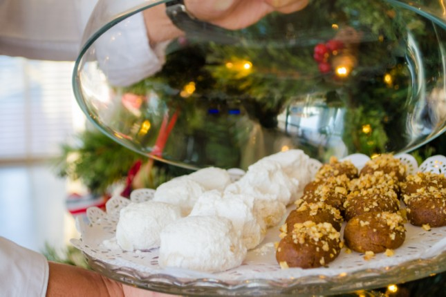 Kourabiedes Christmas sweets
