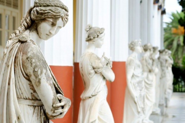 Achilleion_Palace_statues_of_9_muses