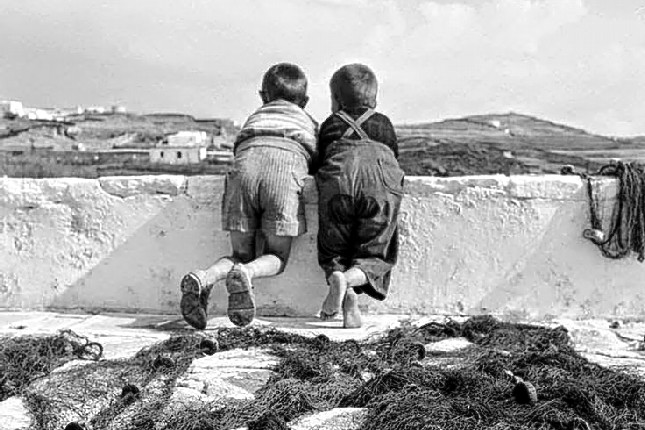 children_in_mykonos