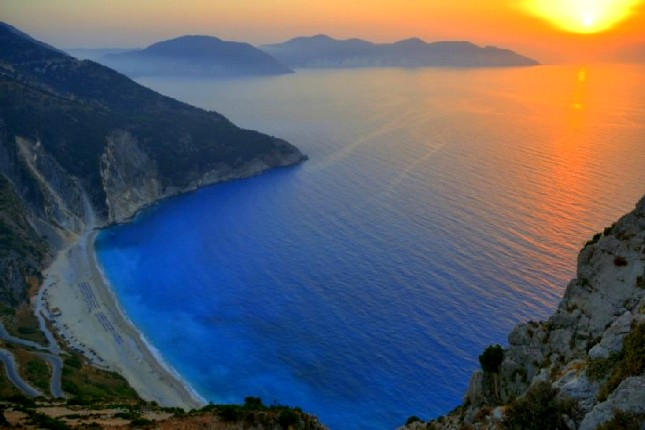 Sunset_at_Myrtos_beach