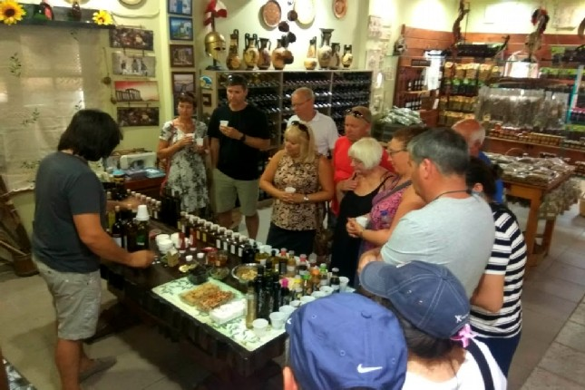 Olive oil tasting in the Peloponnese