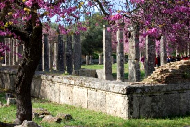 Ancient_ruins_Olympia