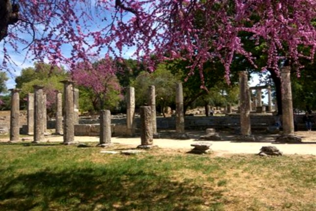 Archaeological_site_in_olympia