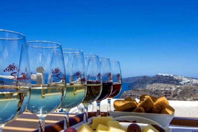 SAantorini_wine_tasting
