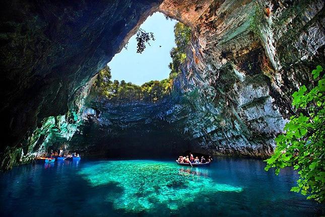 THE GREEK ISLANDS 5