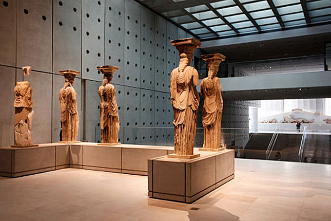 The Highlights of Athens & the New Acropolis Museum 10