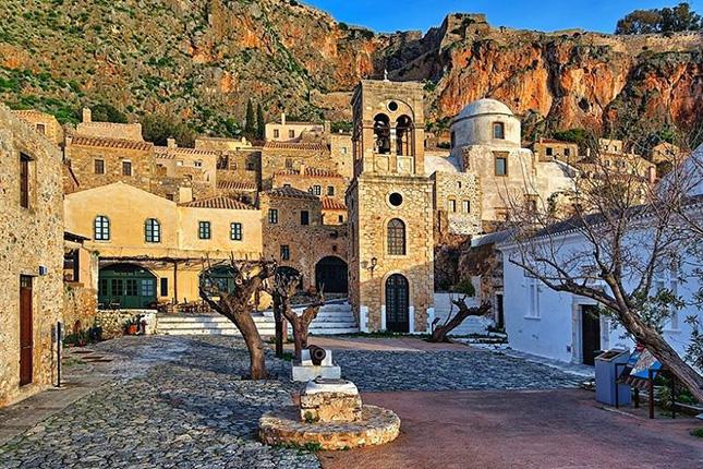 Monemvasia Castle Town - The Hidden Gem of the Medieval Peloponnese 13