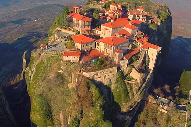 Meteora – Columns in the Sky with a visit to the monasteries & Kalampaka town 1