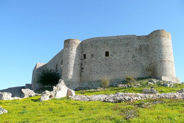 Chlemoutsi Castle & beach 2