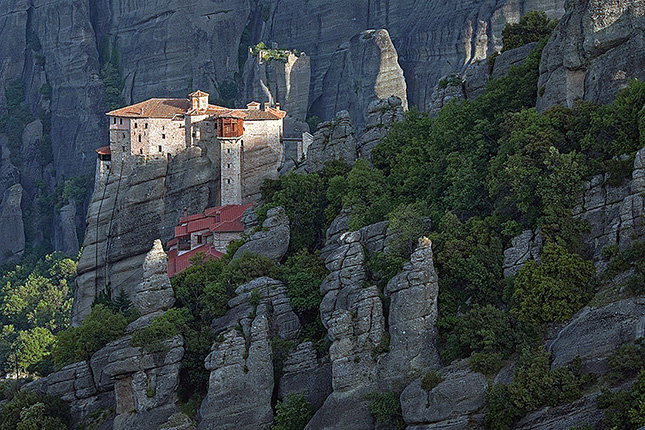 Meteora – Columns in the Sky with a visit to the monasteries & Kalampaka town 2