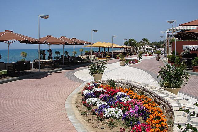 Chlemoutsi Castle & beach 4