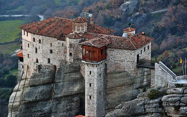 Meteora – Columns in the Sky with a visit to the monasteries & Kalampaka town 4