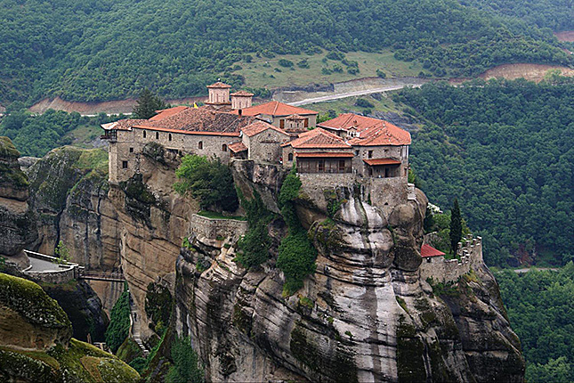 Meteora – Columns in the Sky with a visit to the monasteries & Kalampaka town 6