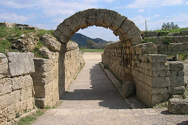 Ancient_Olympia_stadium_arrch