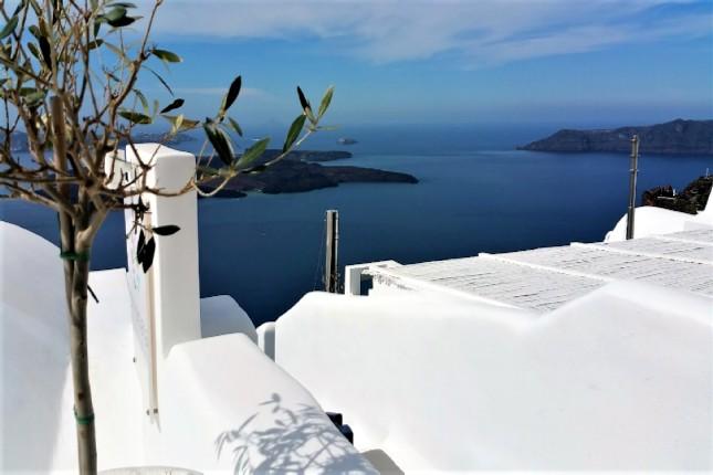 Santorini bucket list Oia