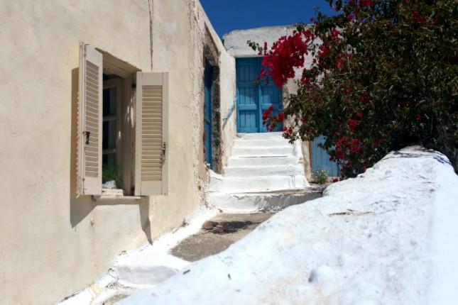 Santorini_houses