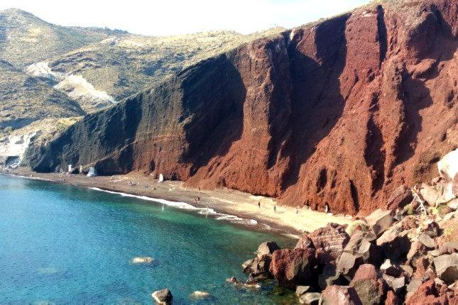 Red_beach_Santorini