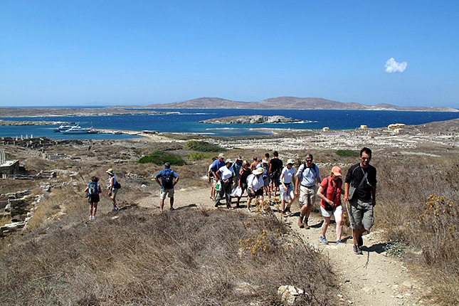 The Light of Mykonos with a tour of Delos Islet 04