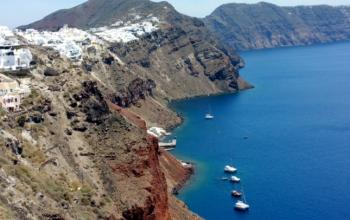 Santorini_Akrotiri_tour