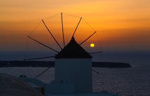 Santorini_in_October