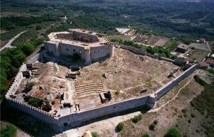 Chlemoutsi Castle & beach 1